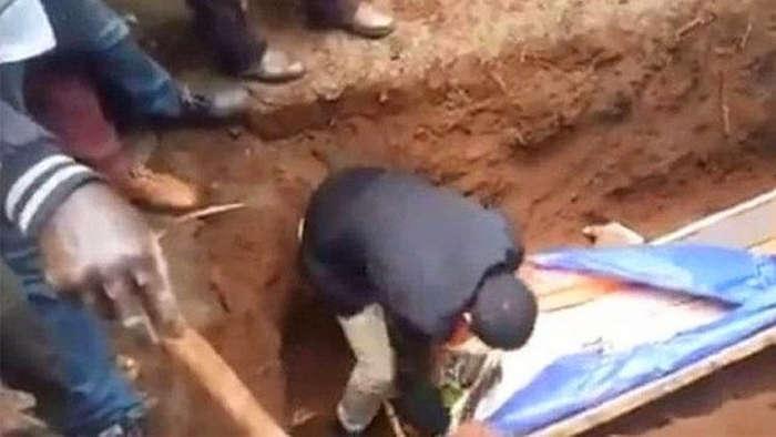 'Peygamber' Olduğunu İddia Eden Kişi Ölüyü Diriltemeyince Gözaltına Alındı