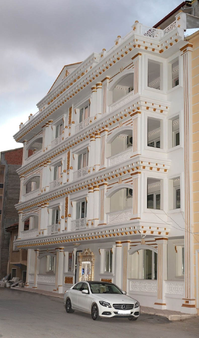 Malatya'da Yüzde 70'i Altın Kaplama Olan Apartman