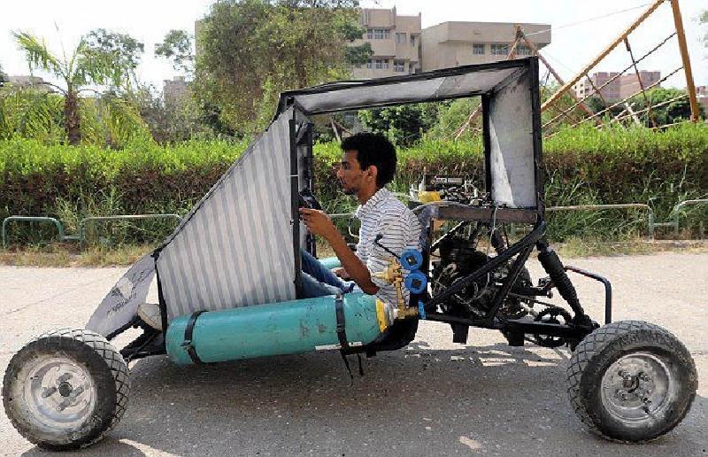 Mısırlı Öğrenciler Hava İle Çalışan Otomobil Yaptılar