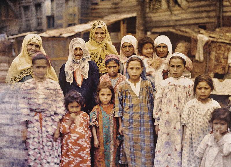 İstanbul'daki Ermeni kadınlar ve çocuklar (1912)