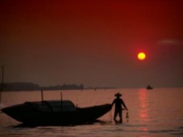 Kıyıdaki Balıkçının Hikayesi