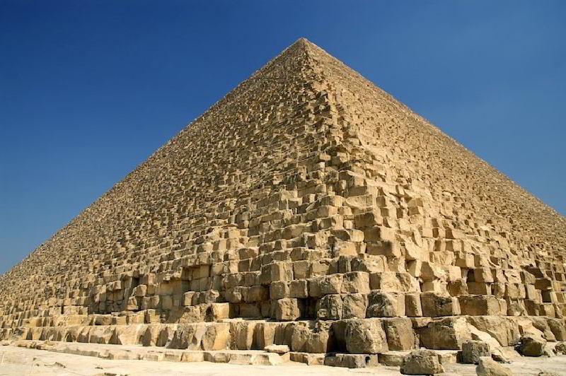 Büyük Piramidin İnşasında Kullanıldığı Düşünülen 4.500 Yıllık Rampa Sistemi Bulundu