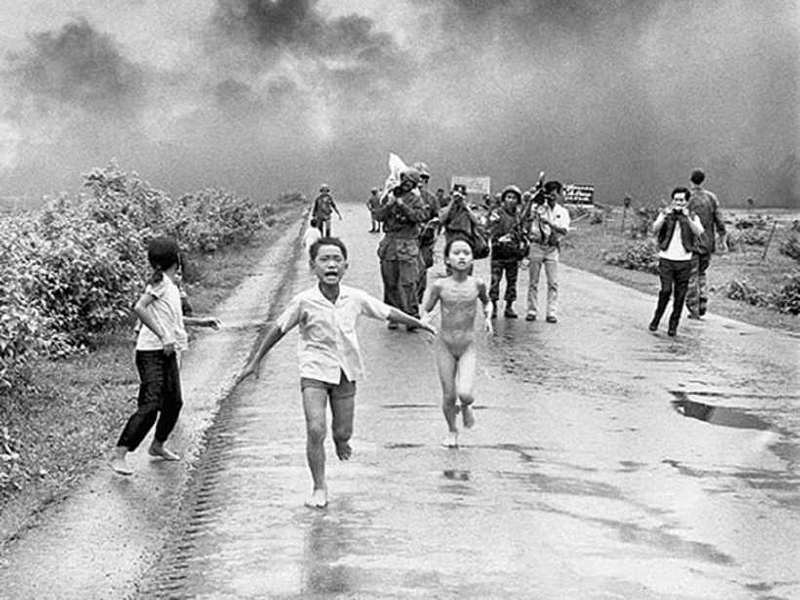 Kim Phuc (Vietnam – ABD Savaşındaki Çıplak Kız)