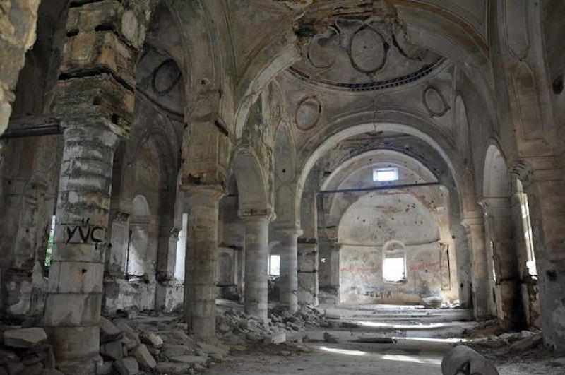 Tarihi Aydın Aziz Nikolaos Kilisesi'ni Defineciler Talan Etti