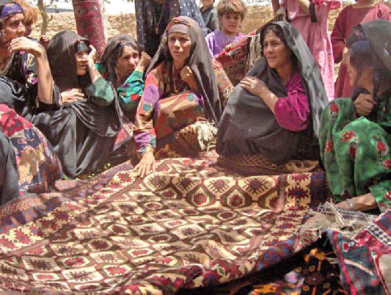 El yapımı Afgan halısı