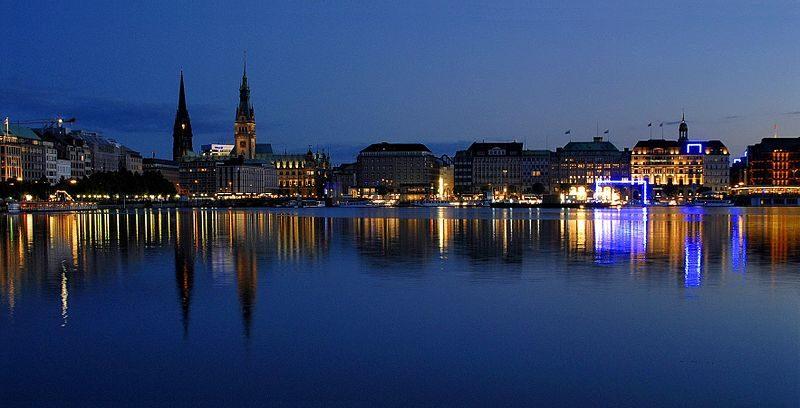 Hamburg, AB içinde başkent olmayan en kalabalık şehirlerdendir.