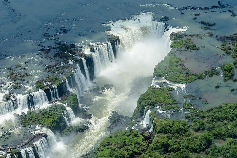 Iguazú Şelaleleri