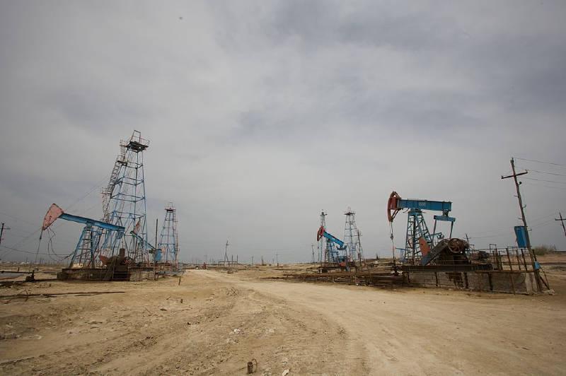 Azerbaycan ekonomisinde petrol önemli bir yere sahiptir