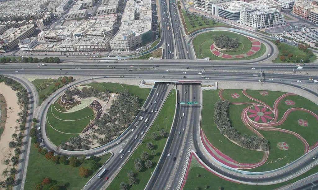 Dubai'de bir otoyol kavşağı