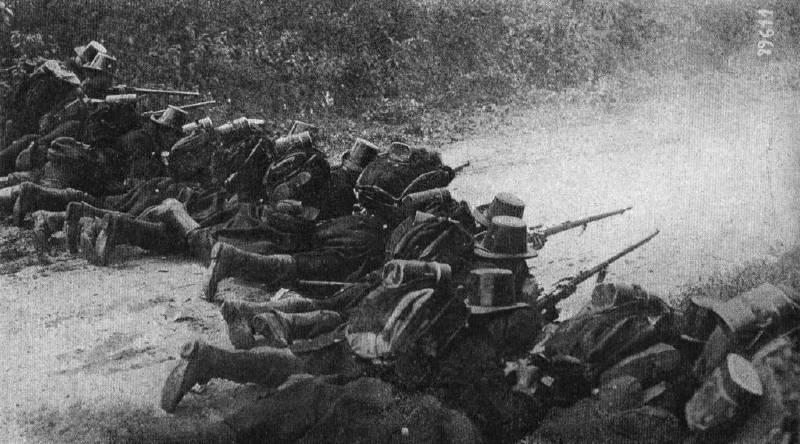 Ağustos 1914'te Liège savunmasına katılan askerler