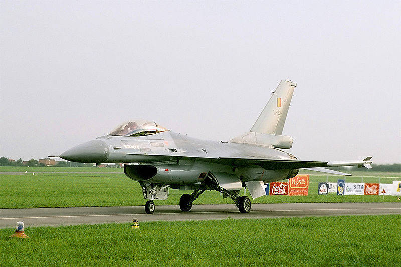 Belçika Hava Kuvvetleri'ne ait bir F-16