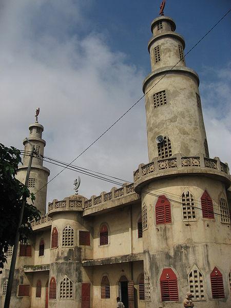 Parakou'da bulunan bir camii