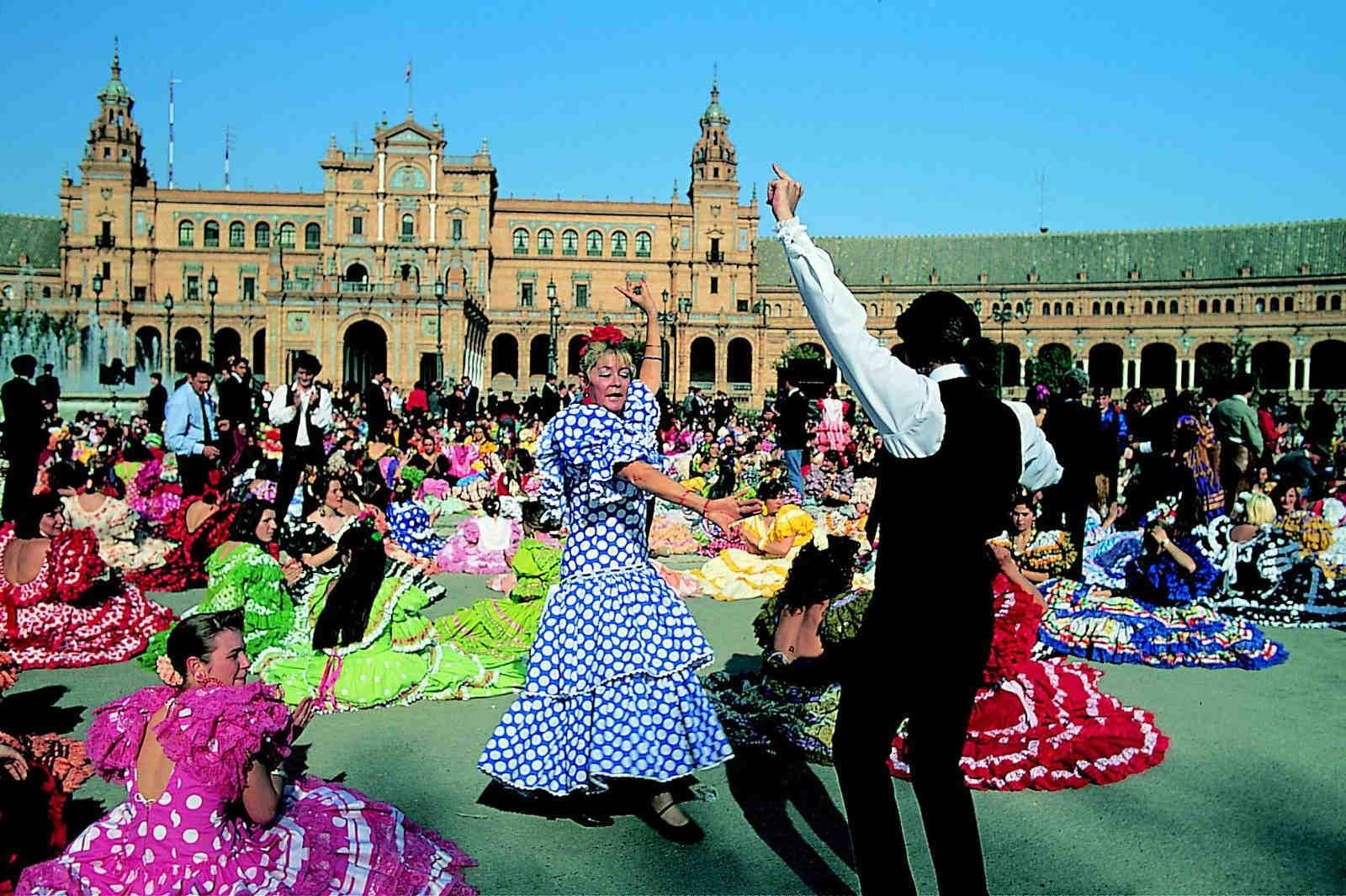 Nisan (Feria da Abril) Fuarı