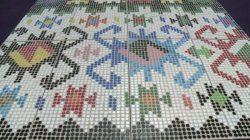 25 Bin Plastik Şişe Kapağı İle Yapılan Geleneksel Bosna Halısı
