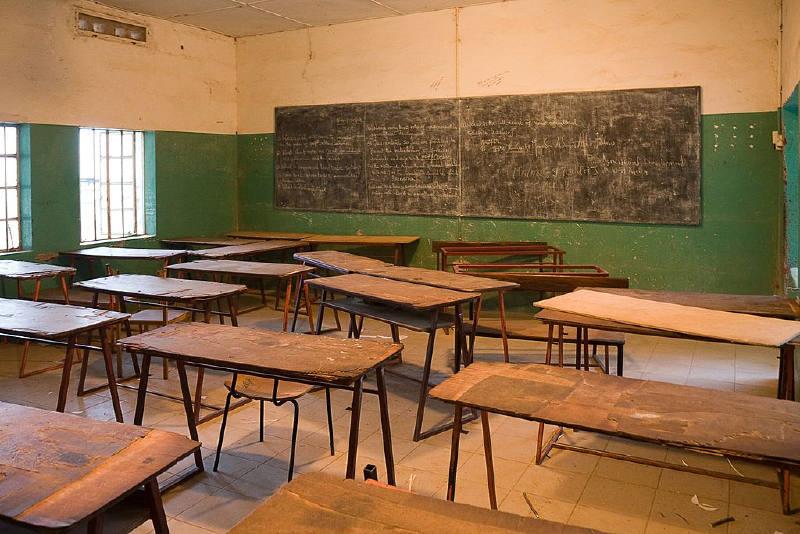 Armitage Lisesi'nde bir sınıf