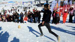 Karda Yuvarlanan Kaşarı Yakalama Yarışı
