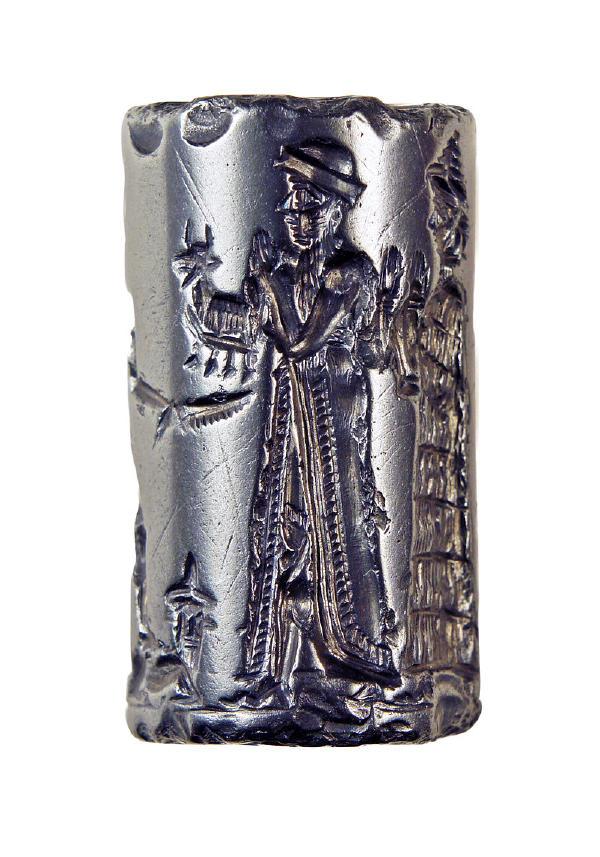Hematitten yapılmış Babil silindir mühürü, MÖ 1.800. Bu mühür muhtemelen Sippar'daki (Irak) bir atölyede yapıldı.
