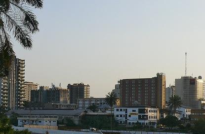 Ticaretin merkezi olan Douala'dan görüntü