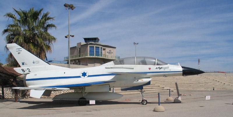 """IAI Lavi (""""genç aslan""""), İsrail Havacılık Endüstrisi  tarafından hazırlanan bir İsrail çok rollü savaş uçağı projesiydi. Uçak, 1980'lerin ortalarında geliştirilmeye başlanmış olup proje yüksek maliyeti nedeniyle iptal edildi."""