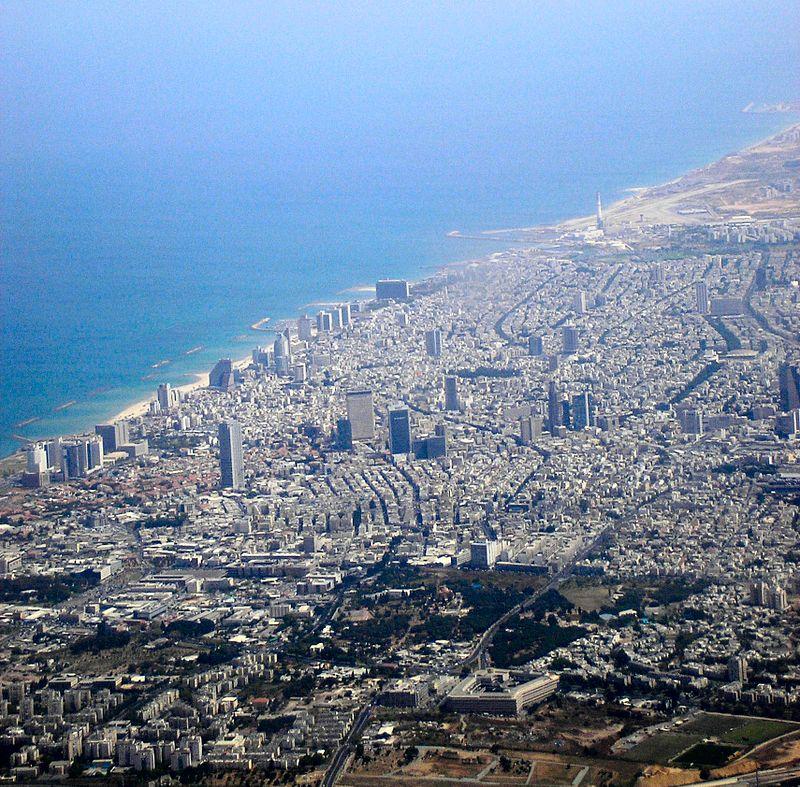 Tel Aviv'in metropol bölgesi (3 milyondan fazla kişi) ülkenin ekonomik merkezi ve Silikon Wadi'nin kalbidir.