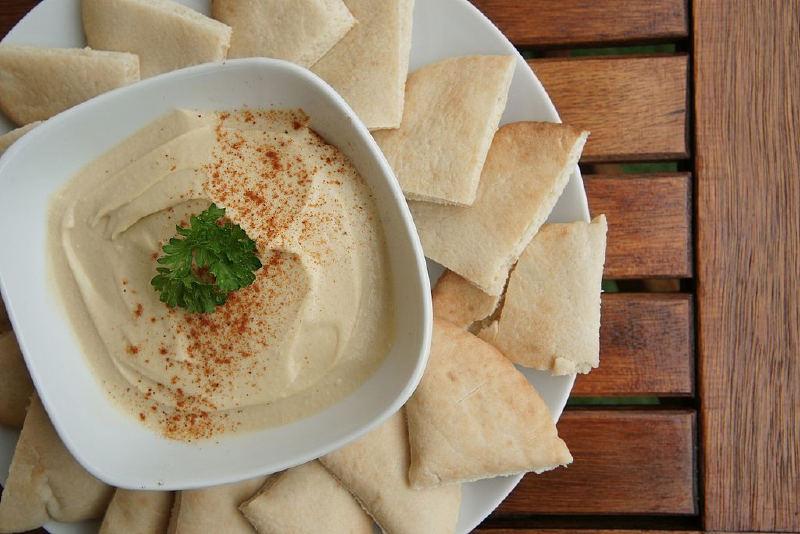 Humus, İsrail'de en çok yenen yiyeceklerden biridir