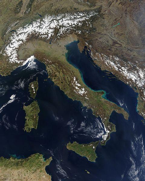 İtalya'nın Uzaydan görünümü