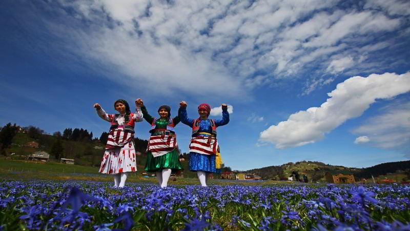 Mavi Zakkumlar Diyarı Kadıralak Yaylası – Trabzon