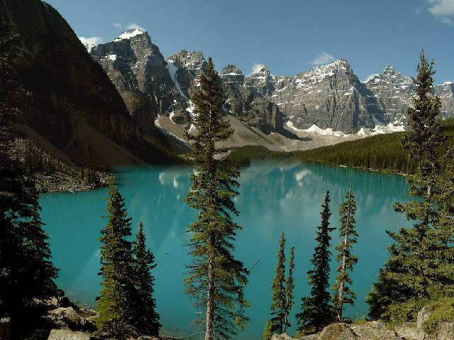 Alberta Banff Ulusal Parkı'ndaki Moraine Gölü
