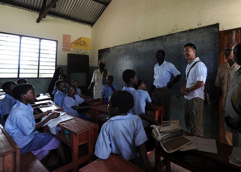 Bir sınıfta okul çocukları