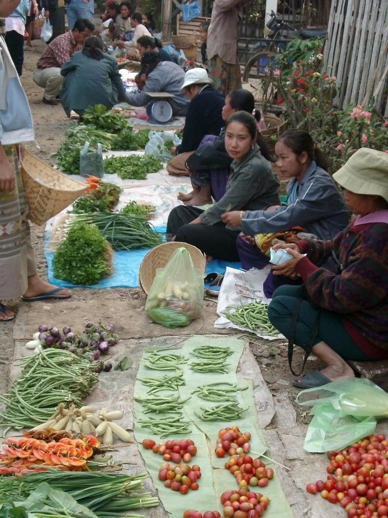Luang Prabang'daki sokak satıcıları