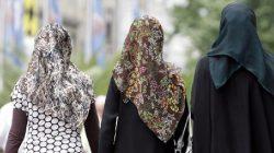 Avusturya'da Okullarda Başörtüsü Yasağı Meclisten Geçti