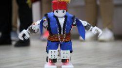 Harmandalı Zeybeği Oynayan Robot