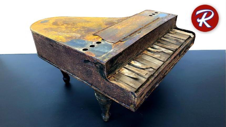 Eski Oyuncak Piyano Restorasyonu