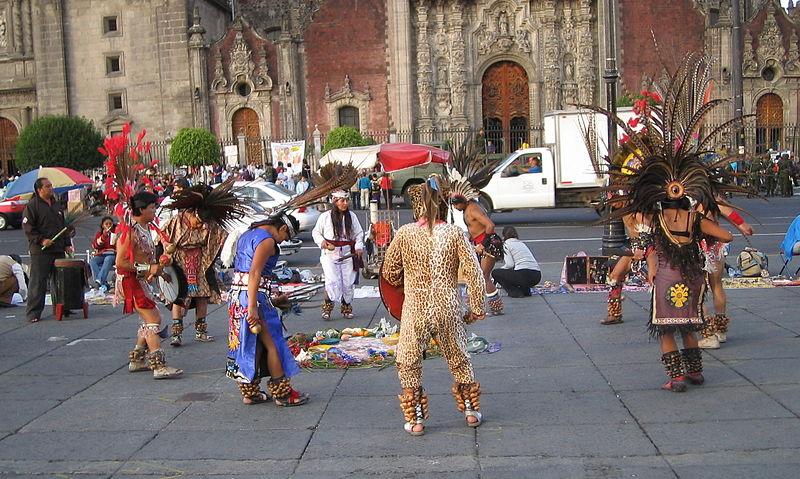 Indigenismo akımını benimsemiş dansçılar