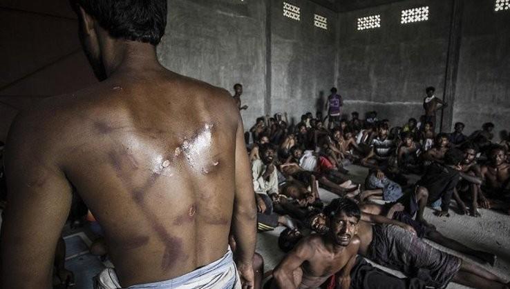 Myanmarda Arakanlı müslümanlara  soykırım yapılıyor