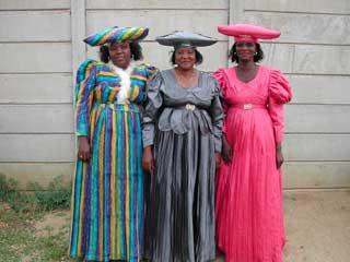 Namibya ve Botsvana'da yaşayan,yaklaşık 80.000 kişi kadar olan Hererolar