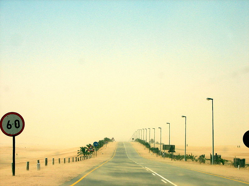 Swakopmund ve Walvis Körfezi arasındaki B2 yolu