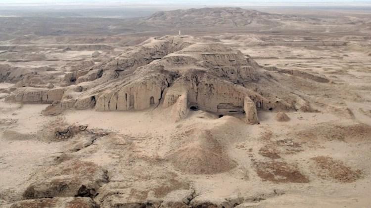 Fırat nehrinin doğusuna kurulmuş antik Sümer kenti Uruk