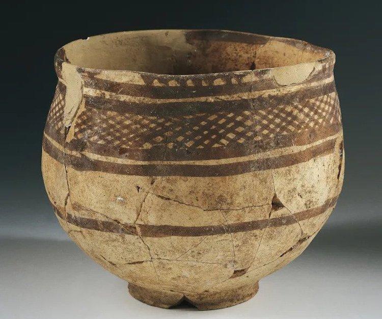 Antik Mezopotamya medeniyetlerine ait çömlek kase