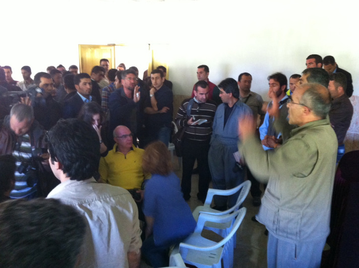 Kandil'de gazetecilere yemek verildi.