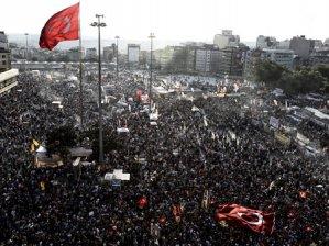 Taksim Dayanışması Gezi Parkı Kararını Verdi.