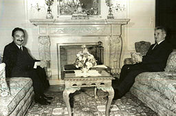 https://www.topragizbiz.com/img/images/Bulent_Ecevit_ve_Nicolae_Ceausescu_4b130047a2e26ff8.jpg