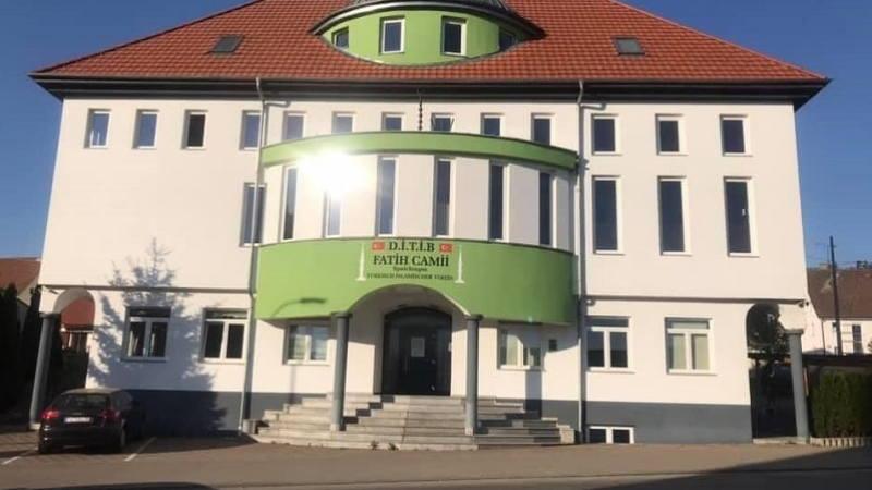 Almanya'da İki Camiye İslamofobik İçerikli Mektup Gönderildi