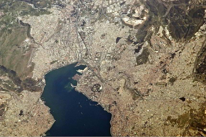 https://www.topragizbiz.com/img/images/izmir-uzaydanb015417612a4b4a2.jpg