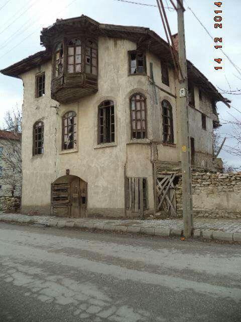 https://www.topragizbiz.com/img/images/tarihi-kirsehir-evlerib6d25e24a9b0c987.jpg