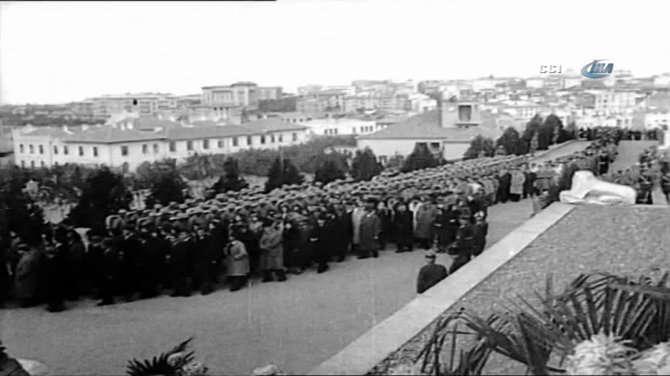 Atatürk'ün Ölümünün 1. Yılı Anma Töreni - 10 Kasım 1939 (Video)