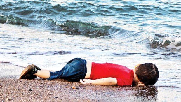 Aylan�m sahilde sen de�il �nsanl���m�z �ld�