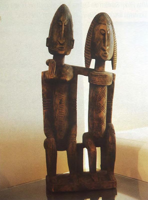 Mali'nin Dogon Kabilesi'ne ait <i>&quot;Oturan Çift&quot;</i> heykeli