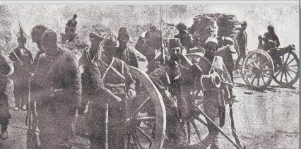 Van'ı ele geçirmek için Rus ordusuyla birlikte savaşan Ermeni birlikleri (1915)