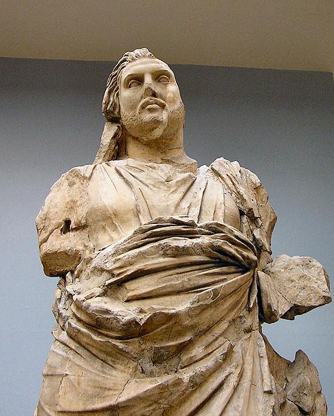 Kral Mausolos'un heykeli, bugün Londra'daki müzede yer almaktadır